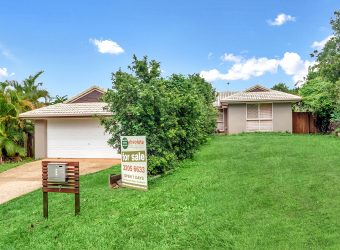 LOWSET FAMILY HOME IN QUIET CUL-DE-SAC