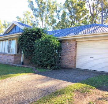 UNDER CONTRACT – LOVELY LOW SET HOME IN PETRIE